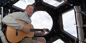 Bandella: Steve Robinson and Other Musical Astronauts Perform